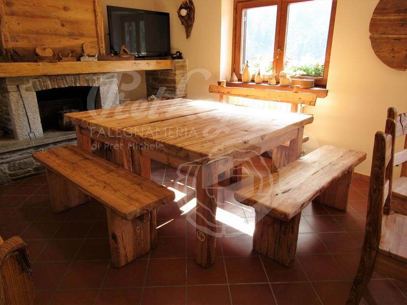 tavoli panche e sedie in larice antico spazzolato 2
